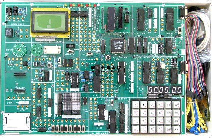SB-5286K+单片机微机开发实验箱  SB-5286K+是《MCS-51单片机原理与接口》、《单片机控制技术》、《十六位微机原理与接口》、《自动化控制》等课程教学的最佳配套实验设备,为各类院校的教学实验、课程设计、毕业设计提供了良好的实验开发环境,也是科研、开发工作者的得力助手。 一、系统组成: 硬件: (1)仿真器与单片机微机系统扩展:51CPU卡,8088CPU,64K程序存储器,64K数 据存储器,开放式4*6键盘电路,开放式6位动态数码管显示电路,配有串口或USB通信方式,出厂配置为串口。 (